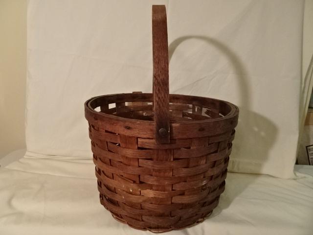 "#144 Antique Handmade Nantucket Basket - 14"" round x 10 1/2"" h, plus 8"" swing handle  - $75 firm (MLTH)"