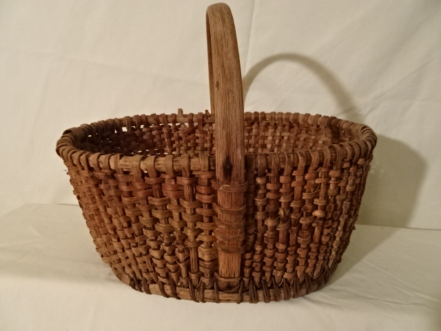 "#146 Beautiful Antique Handmade Basket - Oval 11 3/4"" x 8"" x 5 3/4 h plus 4 1/4"" handle"