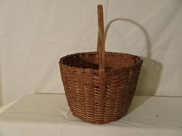 "#147 Intricate Antique handmade Basket - 9"" round x 6 1/2 h plus 7"" handle"